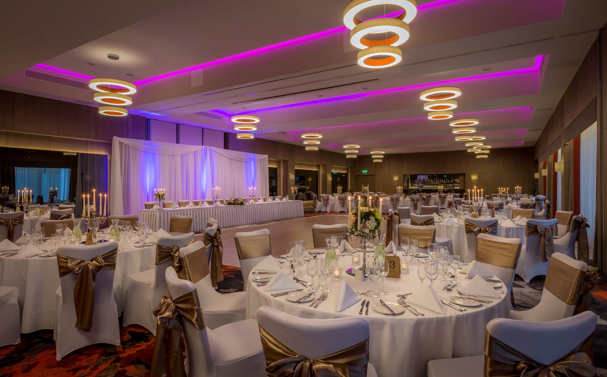 Clayton_Hotel_Chiswick_ballroom_set_for_wedding_or_gala_dinner