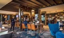Globe-Bar-Clayton-Hotel-Chiswick