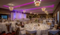 Clayton_Hotel_Chiswick_ballroom_set_for_wedding_or_gala_dinner (1)